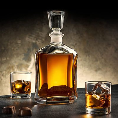 decanter-whiskey-bourbon